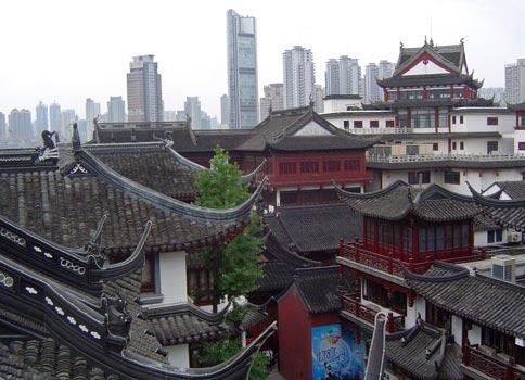 shanghai-oldcity-rooftop-http://site.silkroadcollection.com/images/website/shanghai-zhuhai-07/shanghai-oldcity-rooftop.jpg